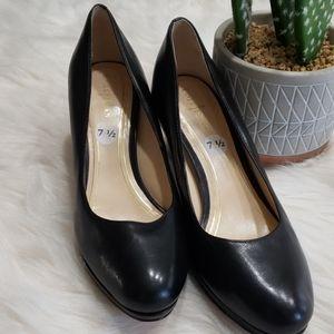 Black  Cole Haan  Leather  heels